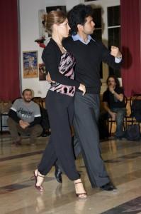 lezione tango Seabasrian Arce e Mariana Montes alla Sala Primavera Cesena